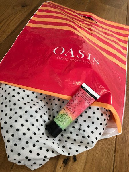 online-product-sampling-marketing-example-oasis-st-tropez
